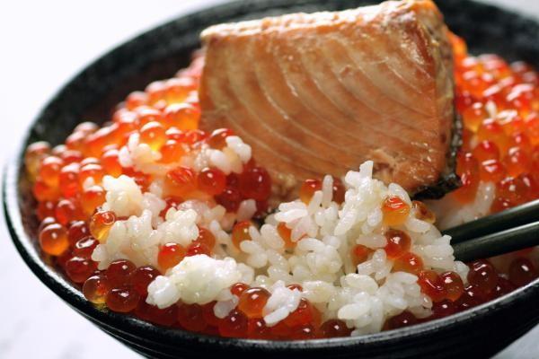 鮭の味噌漬け・鮭の醤油はらこ(イクラ)